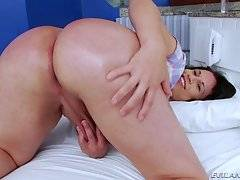 Big Ass She-Male Road Trip 15 - Nicolly Navarro & Jessica Taylor