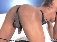 Nicole Cums For You!